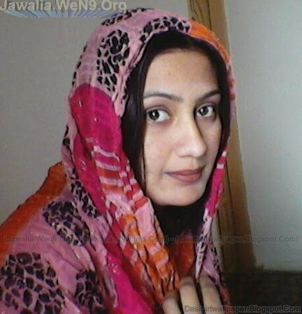 afghan village girl