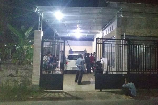 Rumah Kades Candimulyo Digerudug Warga