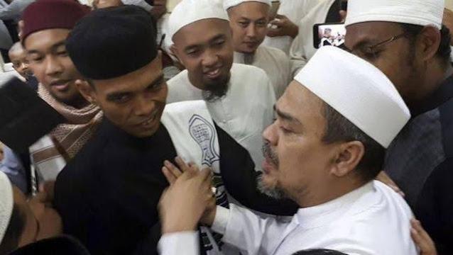 Bela Habib Rizieq, Ustadz Abdul Somad Kutip Almarhum KH Maimun Zubair dan Alquran yang Lapuk