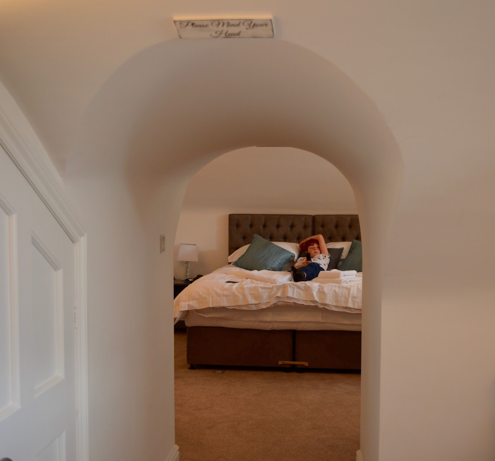 A weekend break in Richmond, North Yorkshire | What to do with the kids - Kids bedroom and Jurni Suitcaste in One Frenchgate