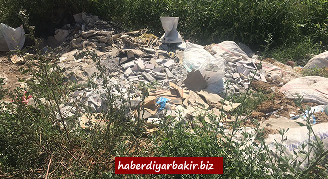 Diyarbakır Büyükşehir Belediyesi, Hevsel Bahçelerini hafriyat ve çöpten temizledi