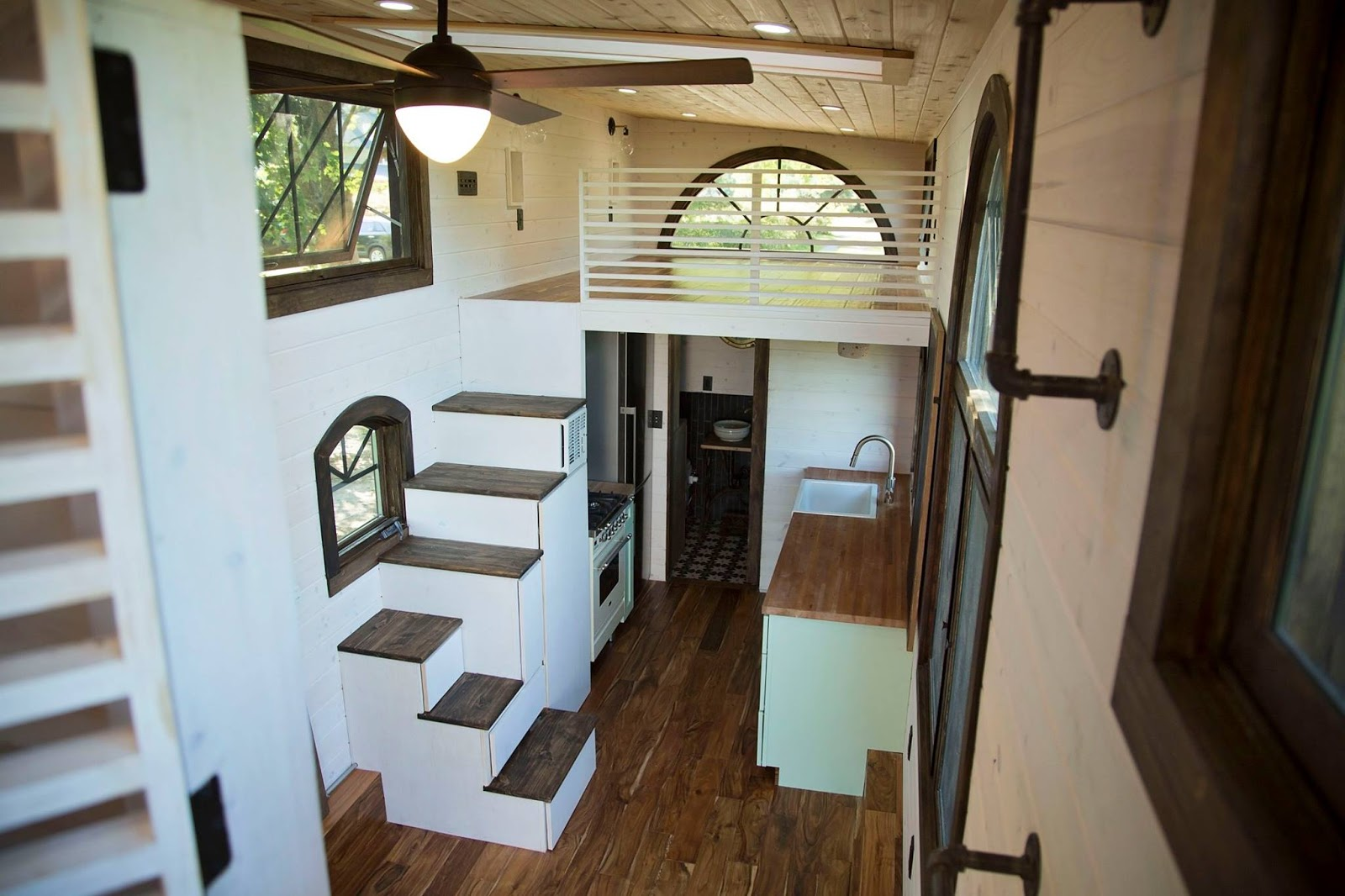 Tiny House Town Old World Vermont Tiny Home 300 Sq Ft