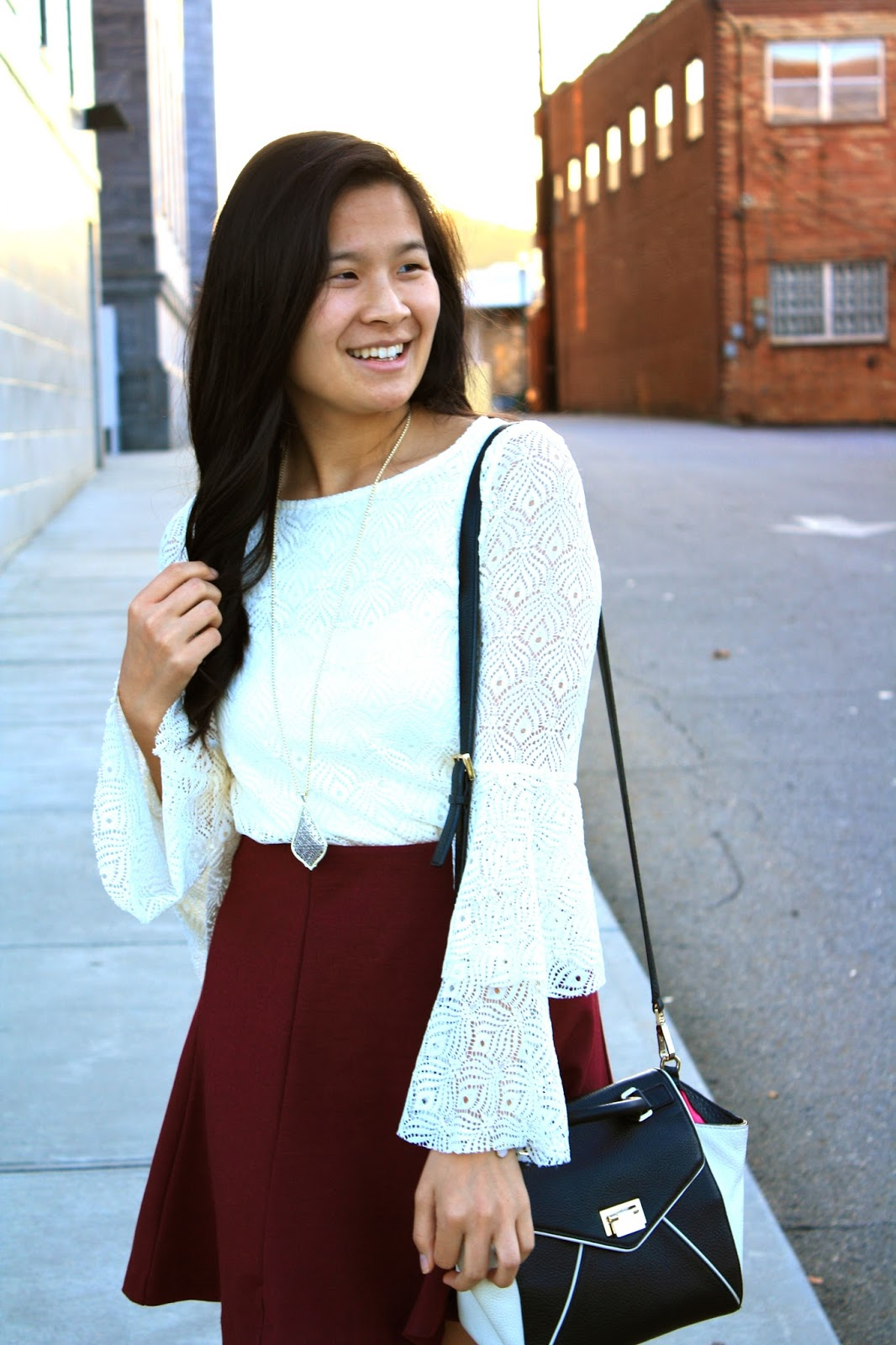 How to style a white lace bell sleeve top | Fall trends
