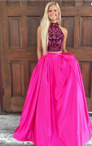 6 Stunning Prom Dresses to Rock on a Prom Night