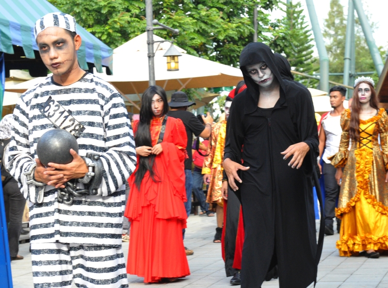 legoland malaysia halloween activities promotion