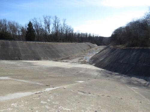 Hardy Dam spillway