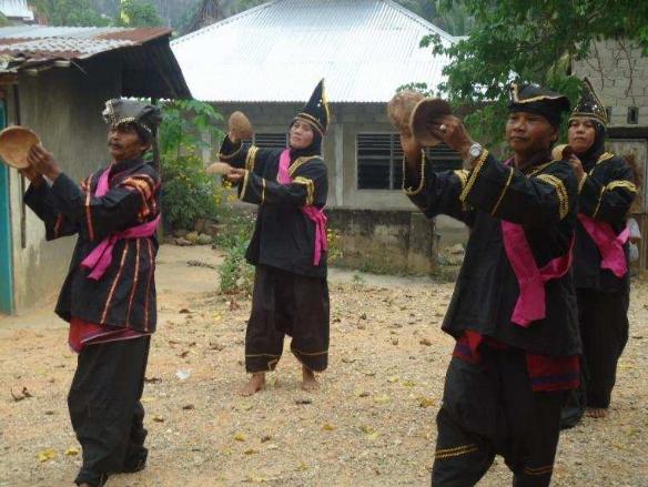 Tari Tempurung dari Sumatera Barat