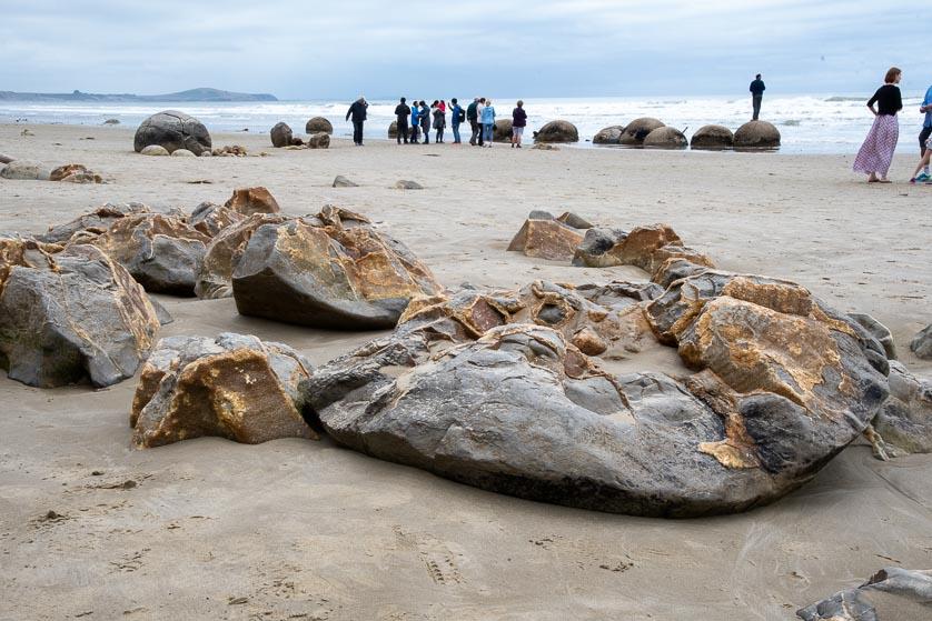 Moeraki Boulders on Koekohe Beach, Otago coast of the South Island.