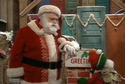 Santa Claus, Elmo. Sesame Street Elmo Saves Christmas