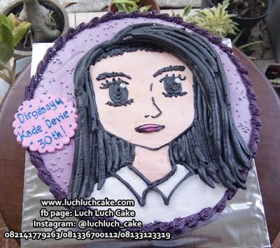 Kue Tart Gambar Wajah Perempuan