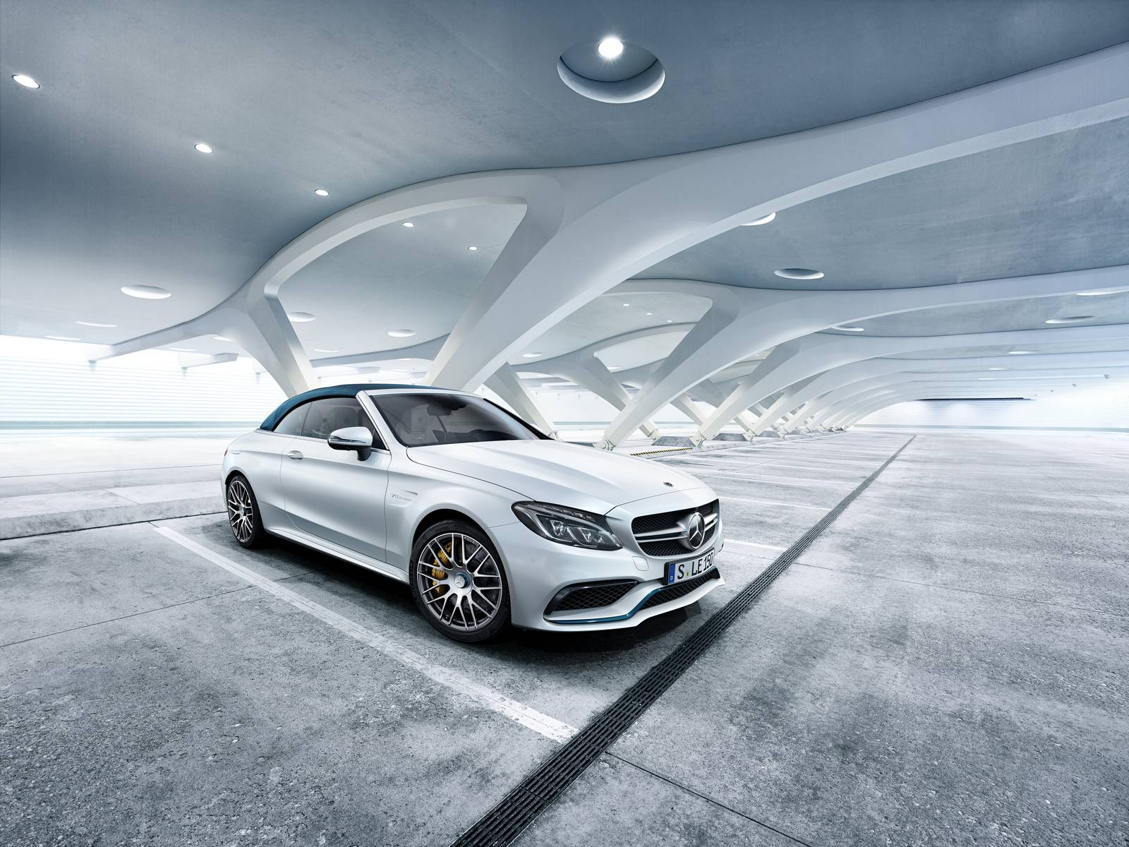 Trio of limited edition mercedes 39 celebrate 50 years of amg for Mercedes benz c63 amg black edition