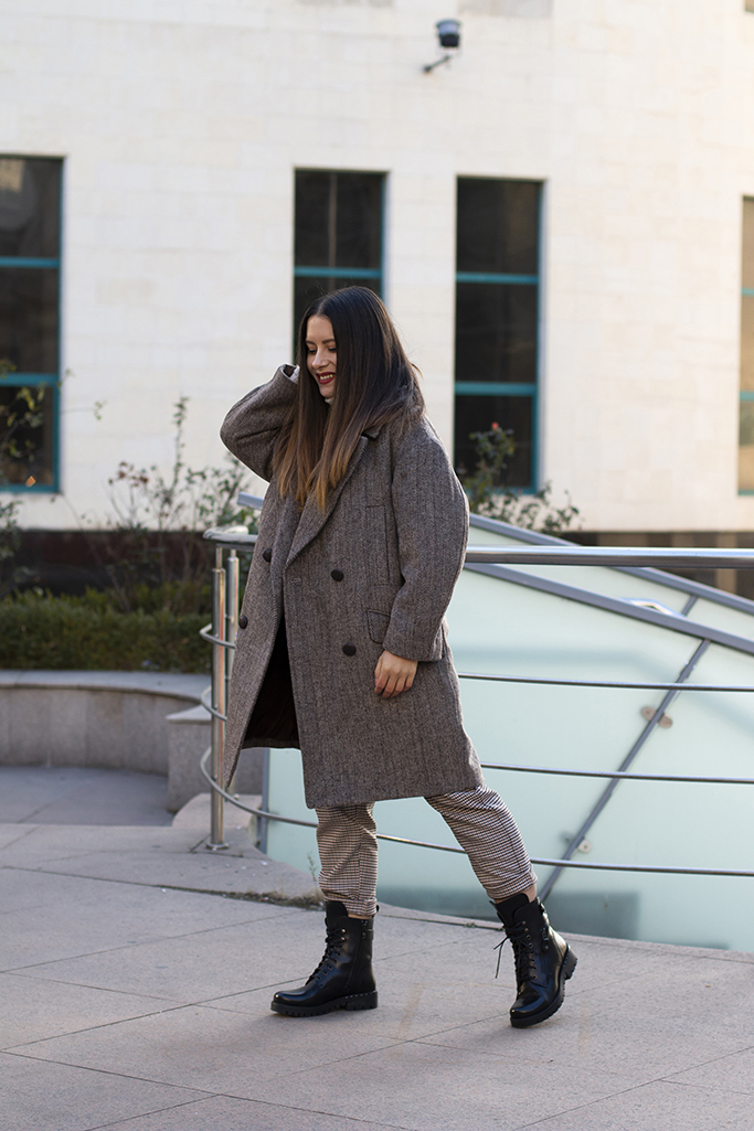 3 reason why you should own an oversized coat