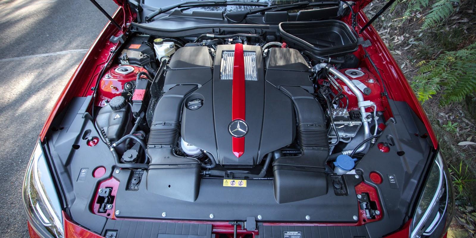 Mercedes-AMG SLC43 sở hữu động cơ cực mạnh so với thân hình