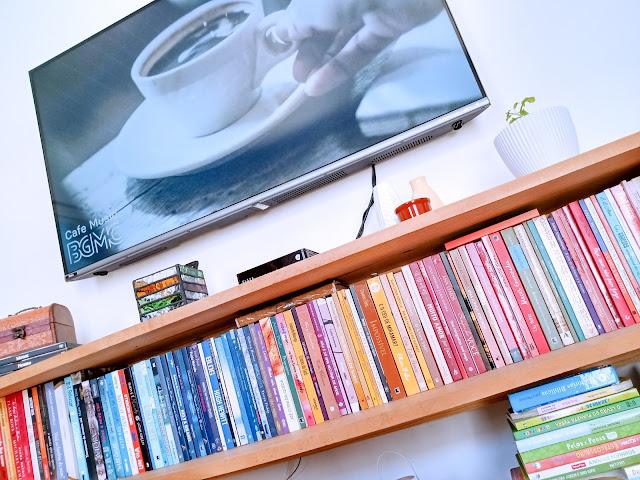 Imagens de uma leitura, Projeto Fotográfico, fotografia e literatura, leituras, Estante de livros, sala com livros