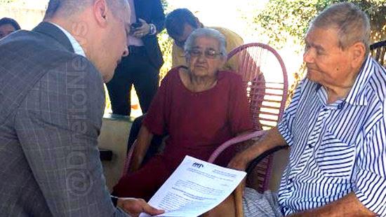 juiz realiza audiencia casa idosos direito