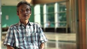Puisi: Biskuit Khong Guan di Kantong Celana