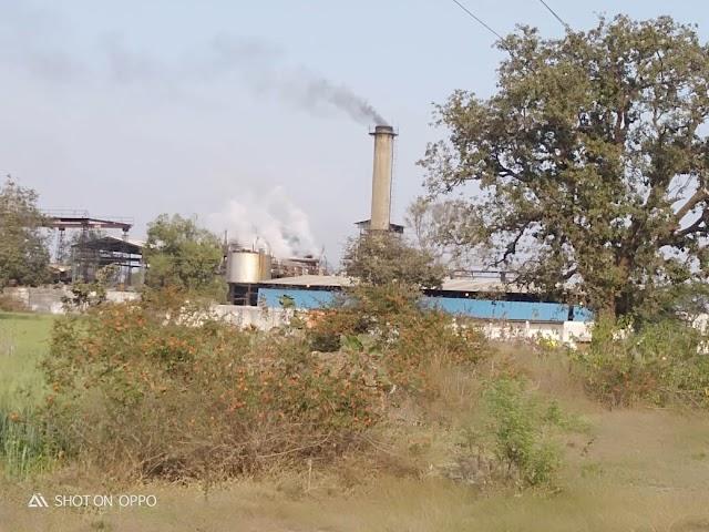 जमदेही खाण्डसारी संचालक की मनमानी से ग्रामो में फैली बीमारी | Jamdehi khandsari sanchalak ki manmani se gramo main faily bimari