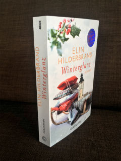 "pierwsza cześć serii, ""Winterglanz"" Elin Hilderbrand, fot. paratexterka ©"
