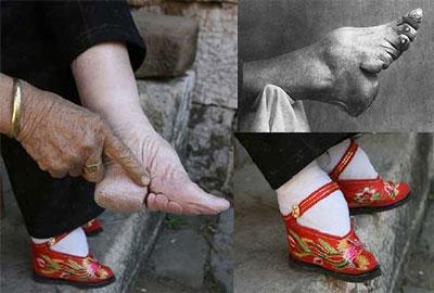 mengecilkan telapak kaki 12 Cara Aneh Wanita Merawat Kecantikan Di Jaman Dulu