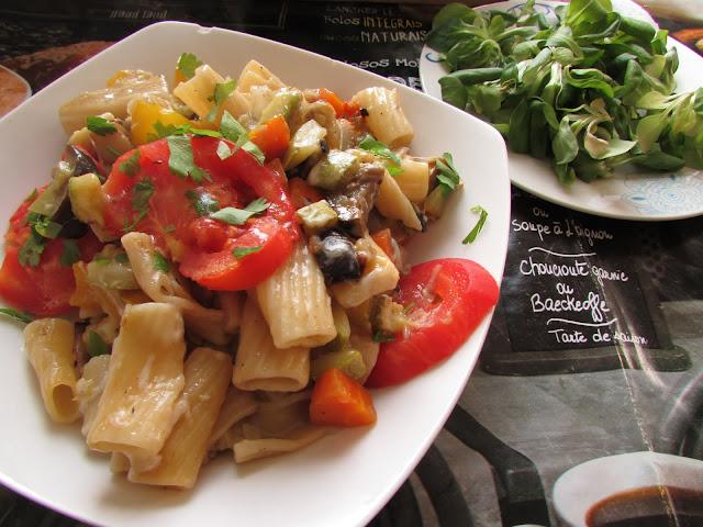 makaron zapiekany z warzywami
