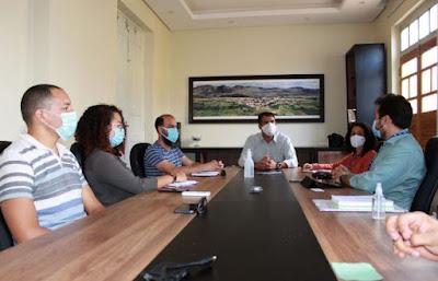Piatã/BA: Prefeito Marcos Paulo recebe equipe do  SEBRAE e reforça seu apoio ao turismo e micro e pequenos produtores
