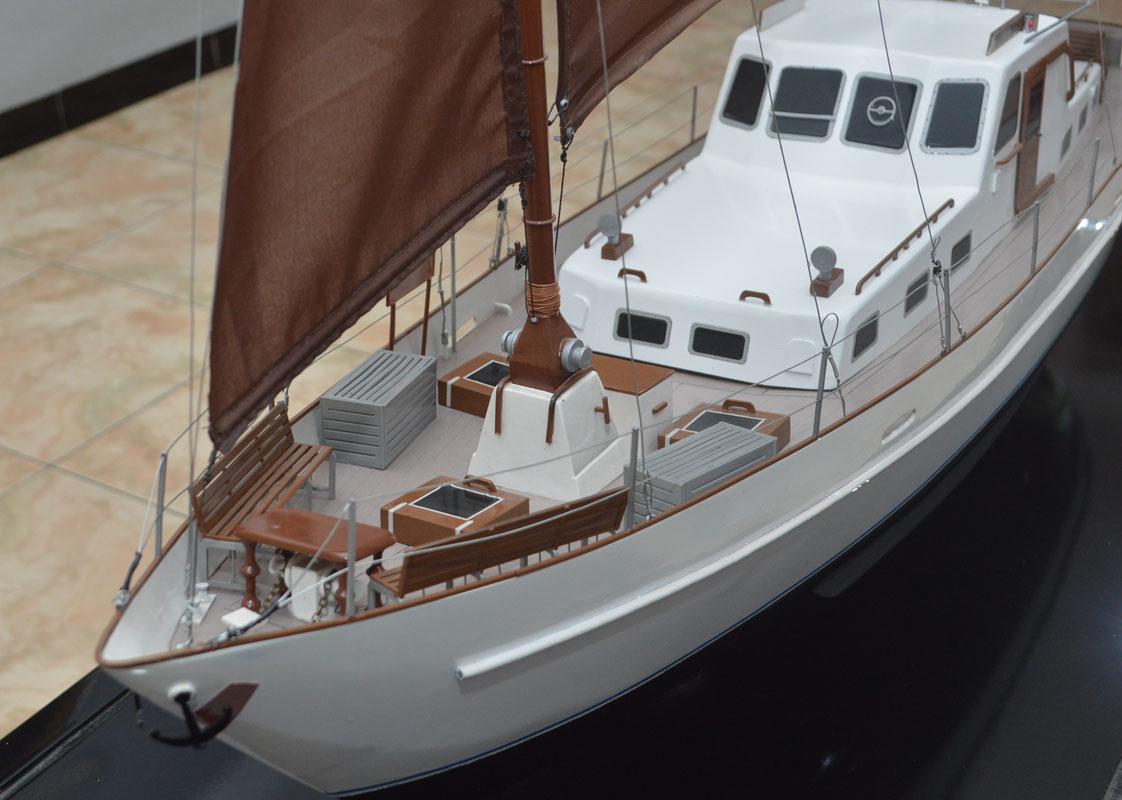 souvenir maket miniatur kapal sailing yacht raden mas bergaransi rumpun artwork planet kapal batam riau