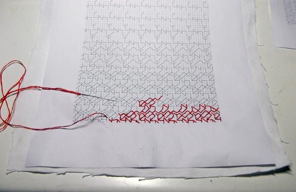 γραμμική βελονιά, κέντημα με κόκκινη κλωστή, κέντημα, κέντημα ιδέες, κέντημα με κόκκινο μουλινέ, γεωμετρικό κέντημα, γεωμετρικό σχέδιο υφάσματος,
