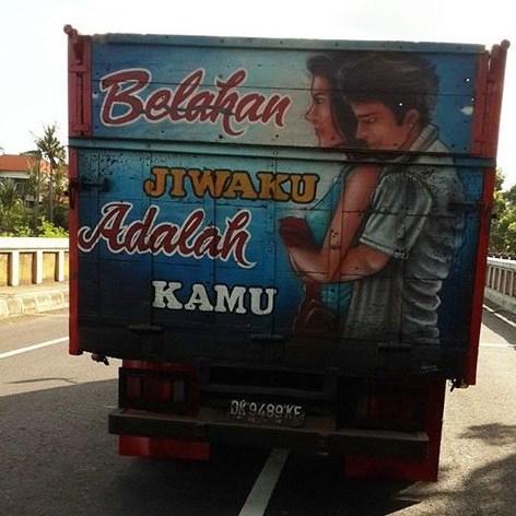 tulisan dibelakang bak truk sopir setia