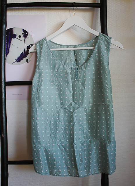 Bargain at Made in Berlin: polka dot top in mint green