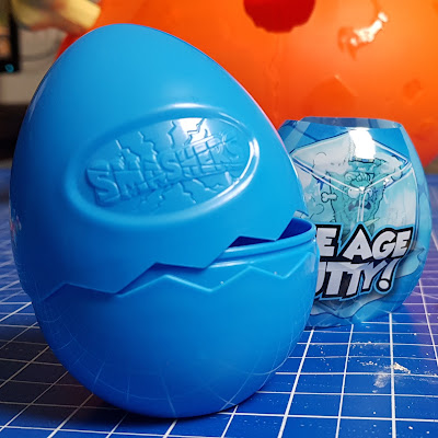 Smashers Epic Dino Egg Ice Age Putty in blue two-part plastic egg