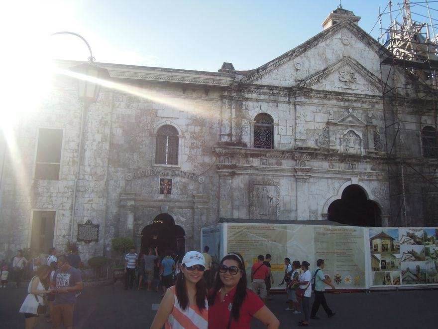 Cebu City Travel Guide: Sto. Niño Shrine & Taboan Market (Updated)
