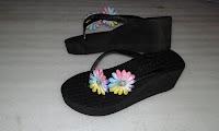 Sandal Japit Pita Bunga Cantik (Sandal Spon Tasik)