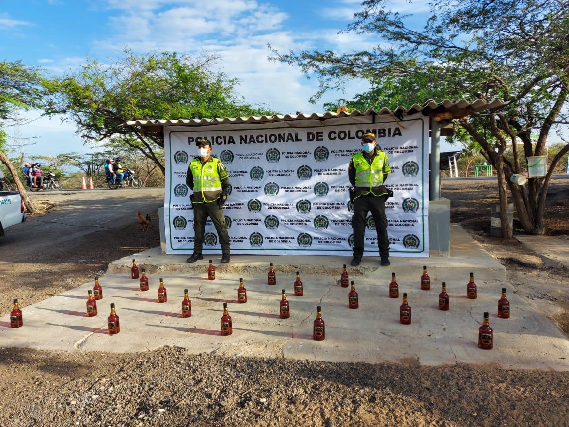 https://www.notasrosas.com/Setra decomisa cigarrillos y whisky de contrabando en diferentes ejes viales de La Guajira