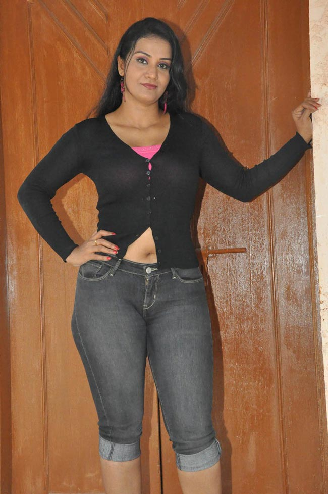 Indian Aunty Navel Images