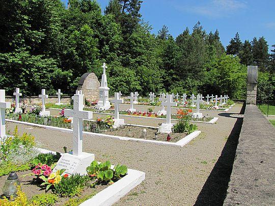 Cmentarz z II wojny światowej we wsi Sochy.