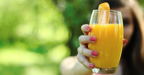 Bantu Jaga Kesehatan Mata dengan Resep Minuman Segar Berikut