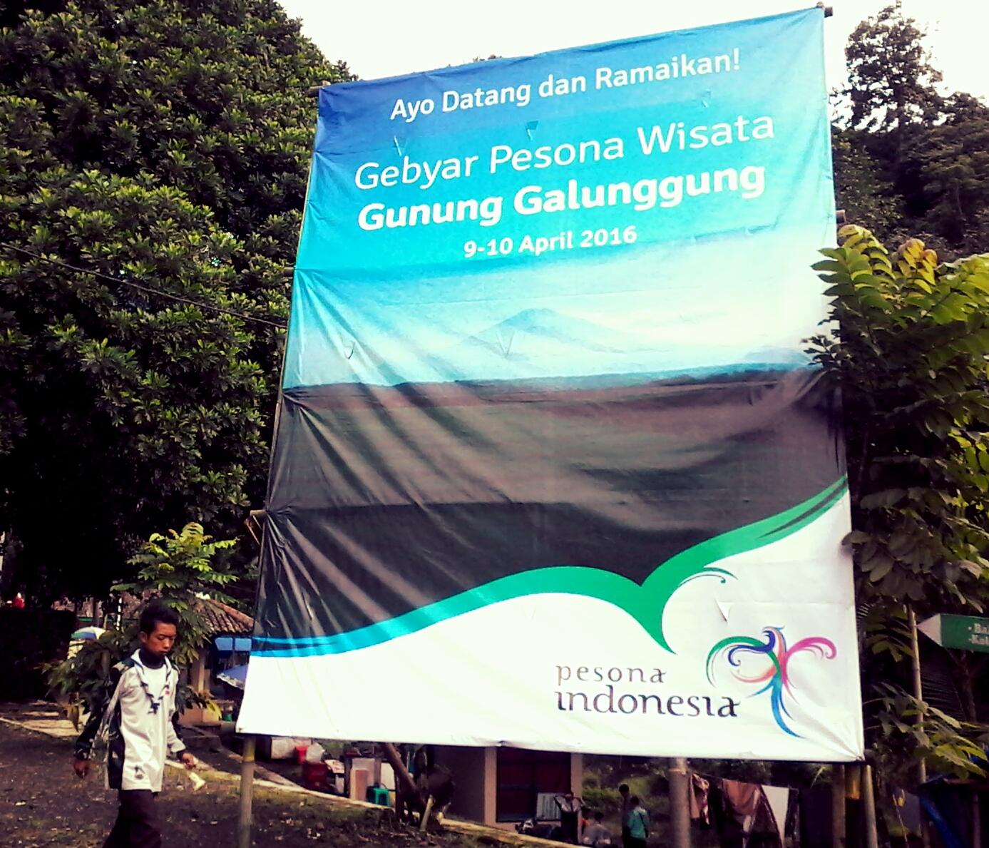 Travelplusindonesia Istiqosah Buka Festival Gebyar Pesona Wisata Gelang Event Konser Running Air Gunung Galunggung 2016 Berlangsung Hingga Minggu 10 4 Besok Acara Diisi Dengan Serangkaian Antara Lain Gerak Jalan
