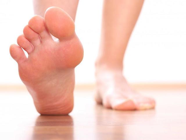 Як захистити ноги від появи грибкової інфекції: корисні поради
