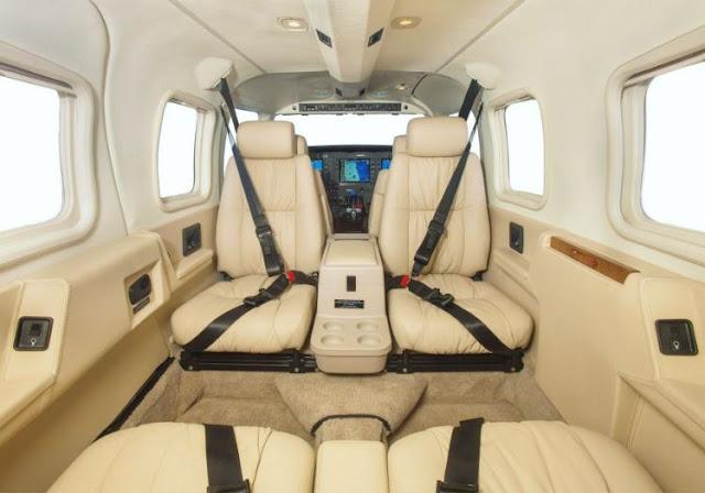 Piper PA-34 Seneca V interior