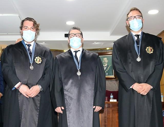 José María Segura, Julián del Moral y Alfonso Montiel, condecorados con la Medalla al Reconocimiento de Méritos