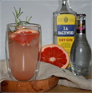 https://swiat-na-widelcu.blogspot.com/2021/08/owocowe-drinki-na-bazie-ginu.html