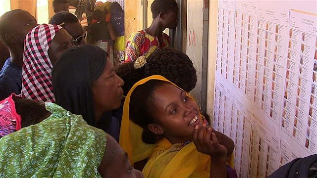 Malians vote in local elections amid violence, boycotts