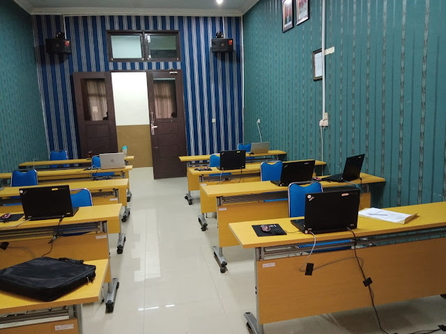 sewa laptop padang