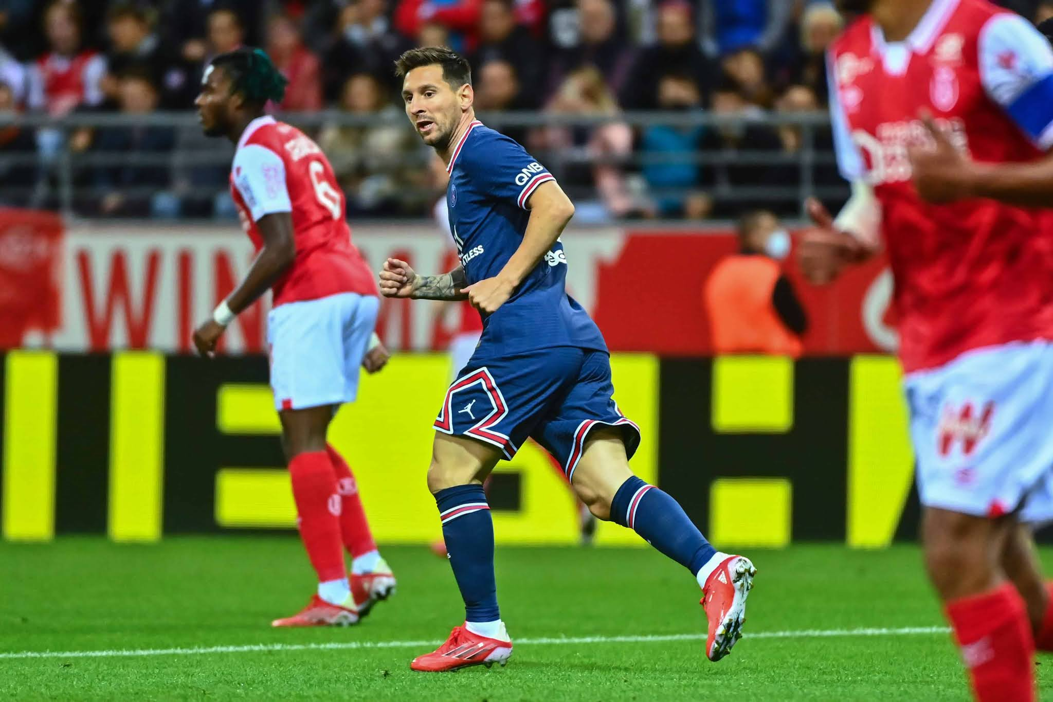 El comienzo de una nueva era: Messi hizo su debut triunfal en Paris Saint Germain