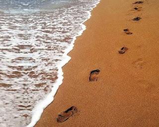 Il bambino che scriveva mamma ti amo sulla sabbia