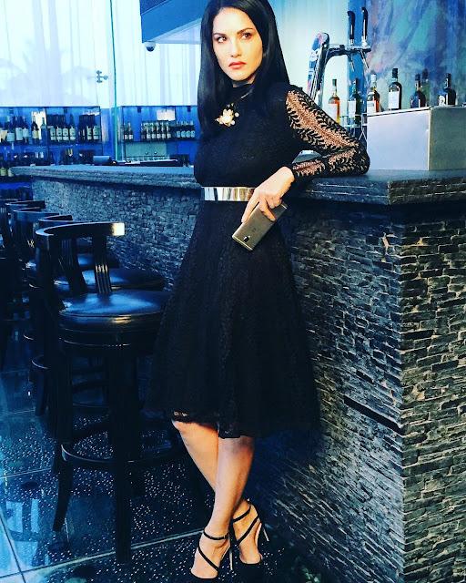 sunny-leone-in-black-dress