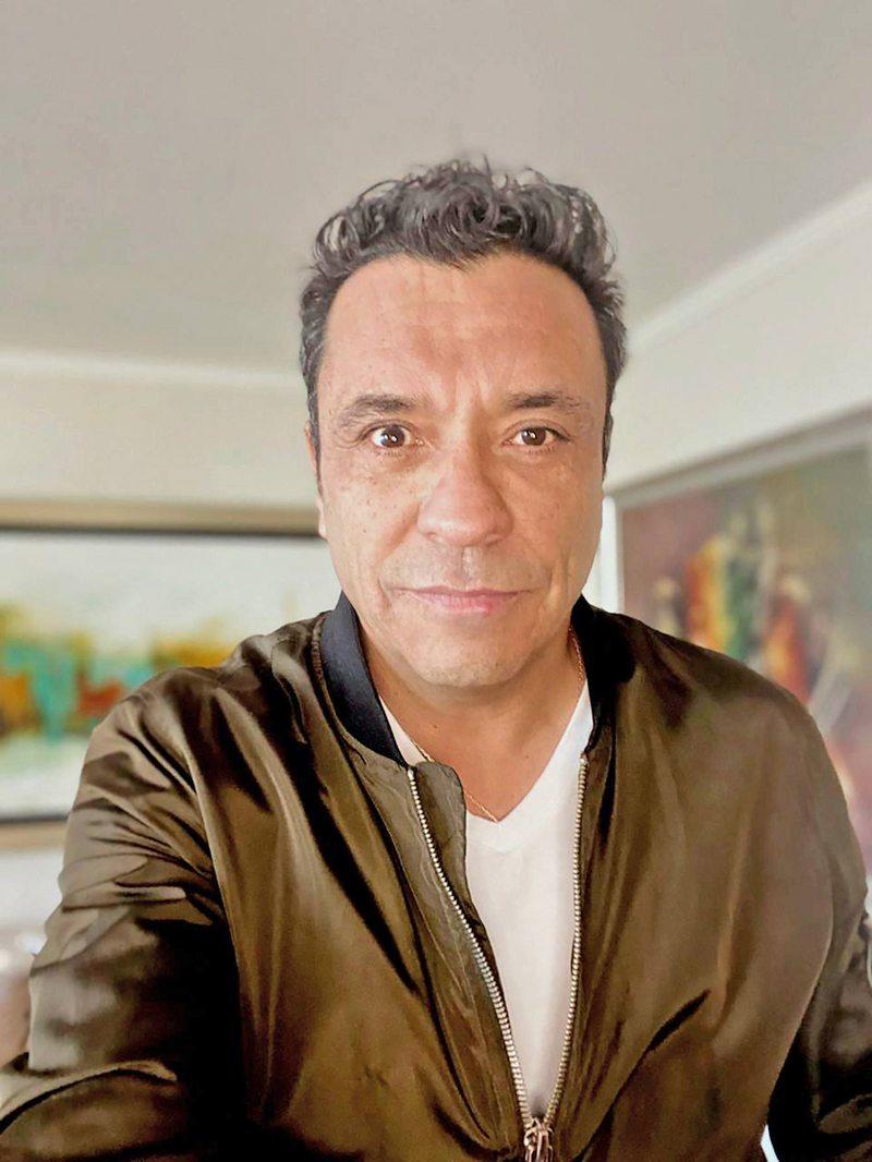 Claudio Palma estuvo un mes fuera de pantalla por una caída de párpado