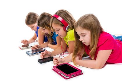Empat Dampak Positif HP Pada Anak