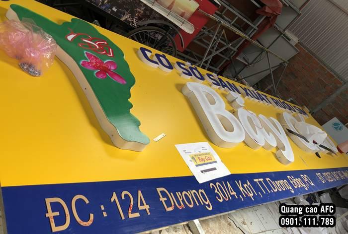 Làm bảng hiệu Aluminium gắn chữMica giá rẻ tại Phú Quốc