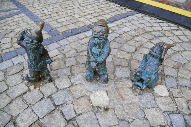 Things to do in Wroclaw in December - go dwarf hunting